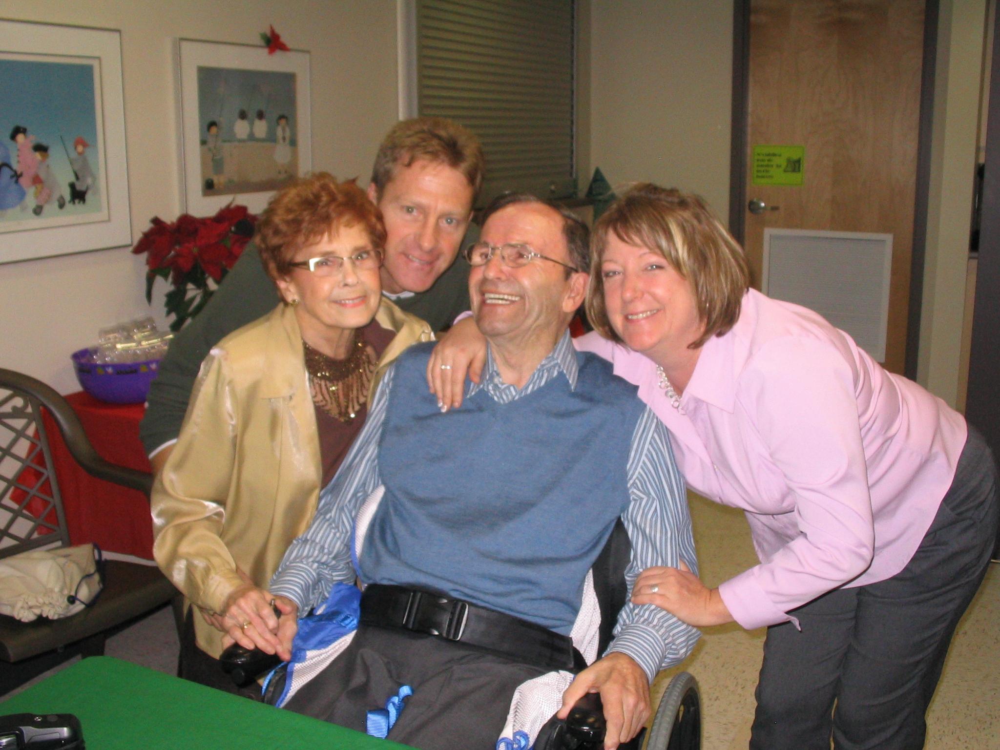 Tante Jeanine, moi, oncle Léo et leur filleule Josée